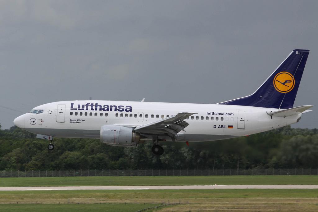 Lufthansa Boeing 737-500 near Amsterdam on May 25th 2014 ...
