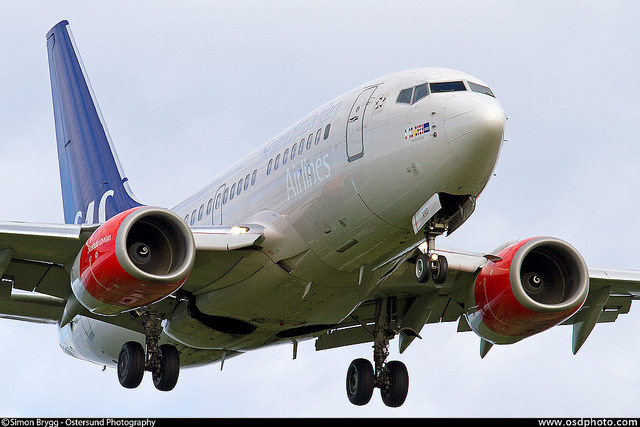 aircraft-boeing-737-600-registration-LN-
