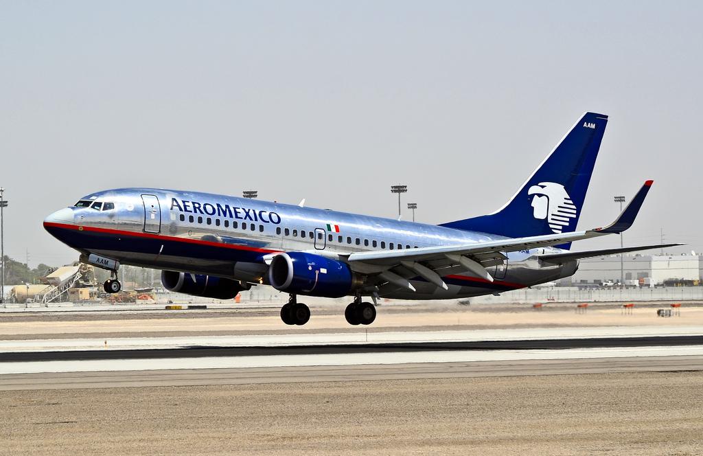 XA-VAM - Aeromexico Boeing 737-700 at Mexico City