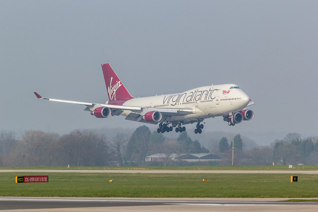 virgin atlantic boeing 747 400 at london on dec 29th 2014 hydraulic rh aeroinside com Nose Landing Gear A380 Landing Gear