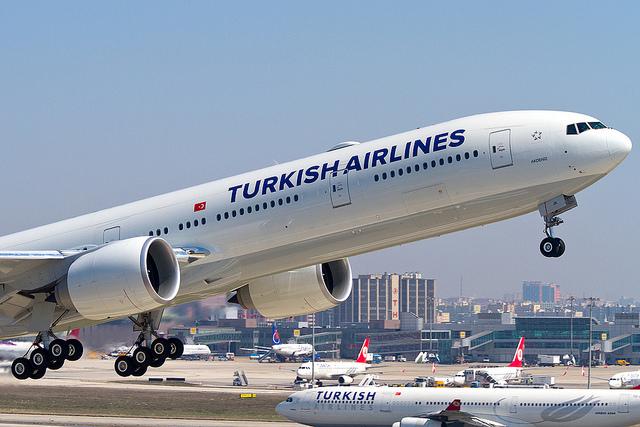 THY B773 over Caspian Sea on Nov 26th 2012, loss of cabin pressure ...