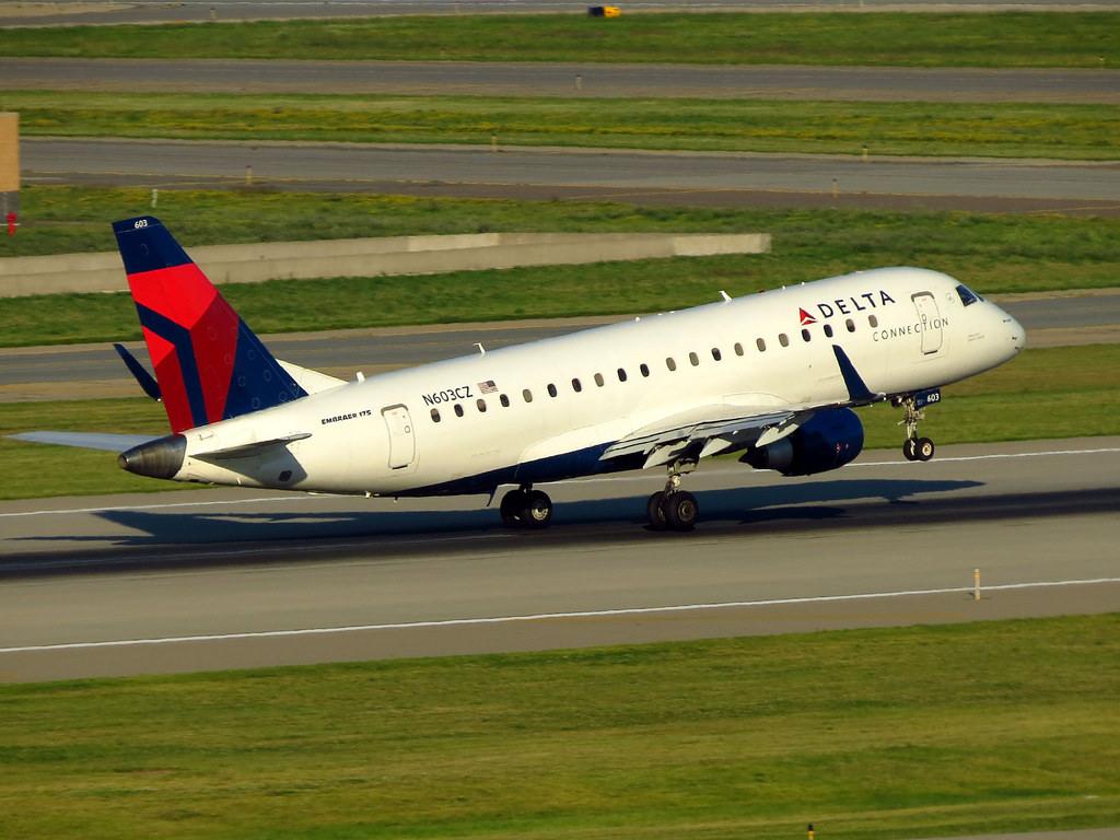 Resultado de imagen para Compass Airline E175 Delta